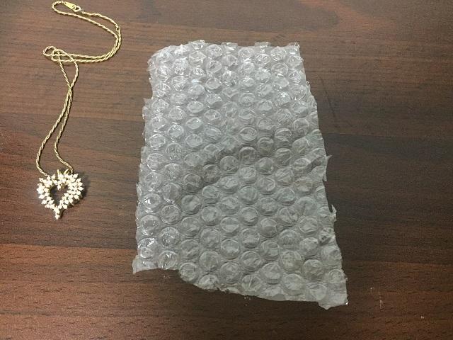 メルカリで売れたアクセサリー(小物)を梱包する方法をご紹介